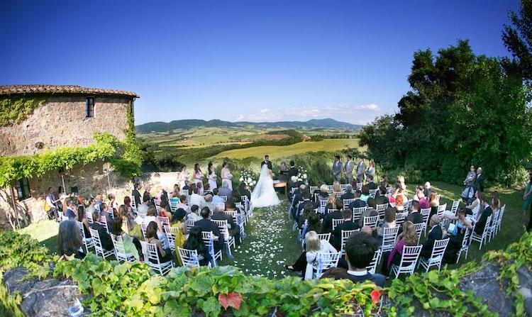 Matrimonio Civile In Agriturismo Toscana : Buoni motivi per sposarsi in val d orcia